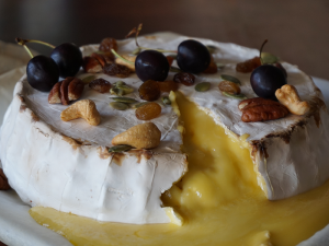 Brie with cherries, raisins & nuts